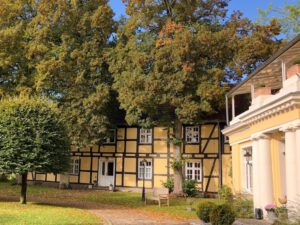 rittergut-boemitz-westfluegel-hauptgebaeude